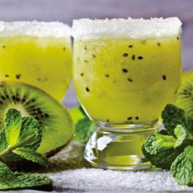 绿色猕猴桃鸡尾酒