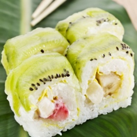 Kiwi fruit and melon sushi